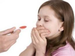 Dar remédios as crianças