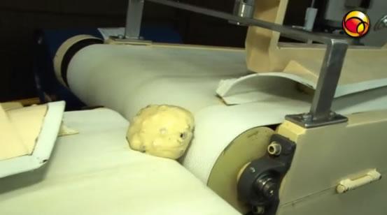 Veja como é feito o panetone industrial