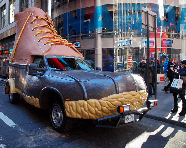 Carro L.L. Bean Bootmobile 02