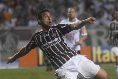 Fred, do Fluminense, em ação pela Libertadores