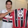 Ganso veste a camisa do São Paulo e exibe seu mais novo número