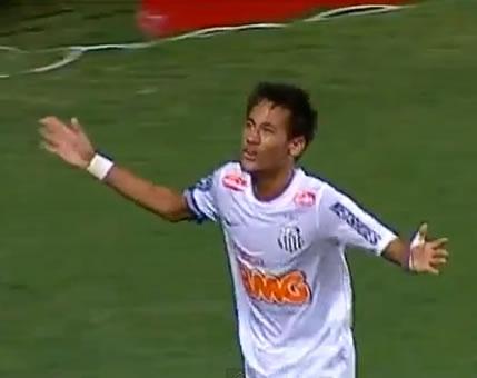 Neymar é aplaudido pela torcida do Cruzeiro